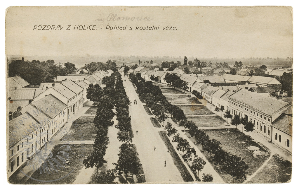 Olomouc, m. č. Holice, pohlednice. Pohled z kostelní věže. Světlotisk, nákladem Liboslava Bartoška v Holici.
