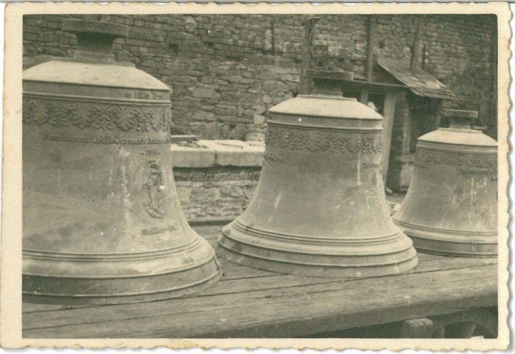 Zvony 4