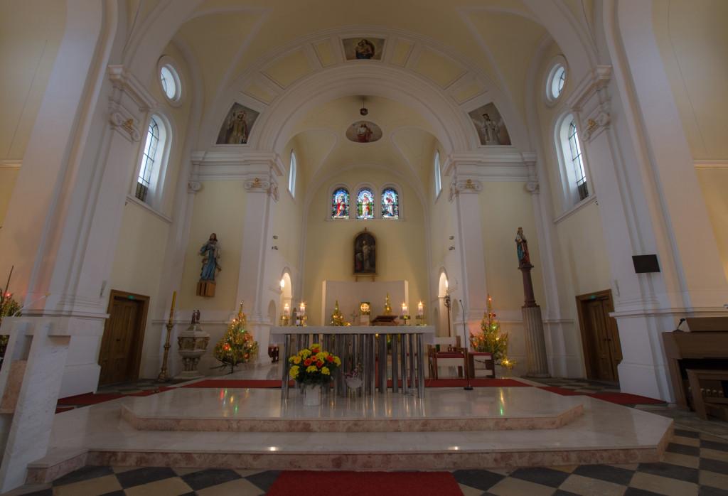 Vánoční výzdoba holického kostela